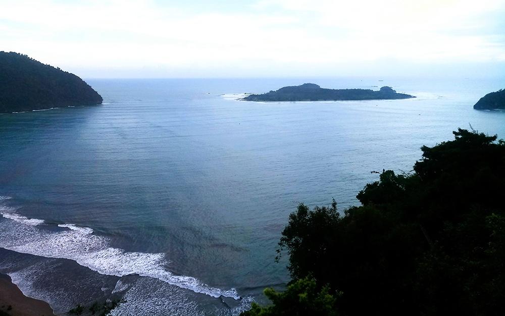 pantai Tebing Geureutee Aceh - berdesa